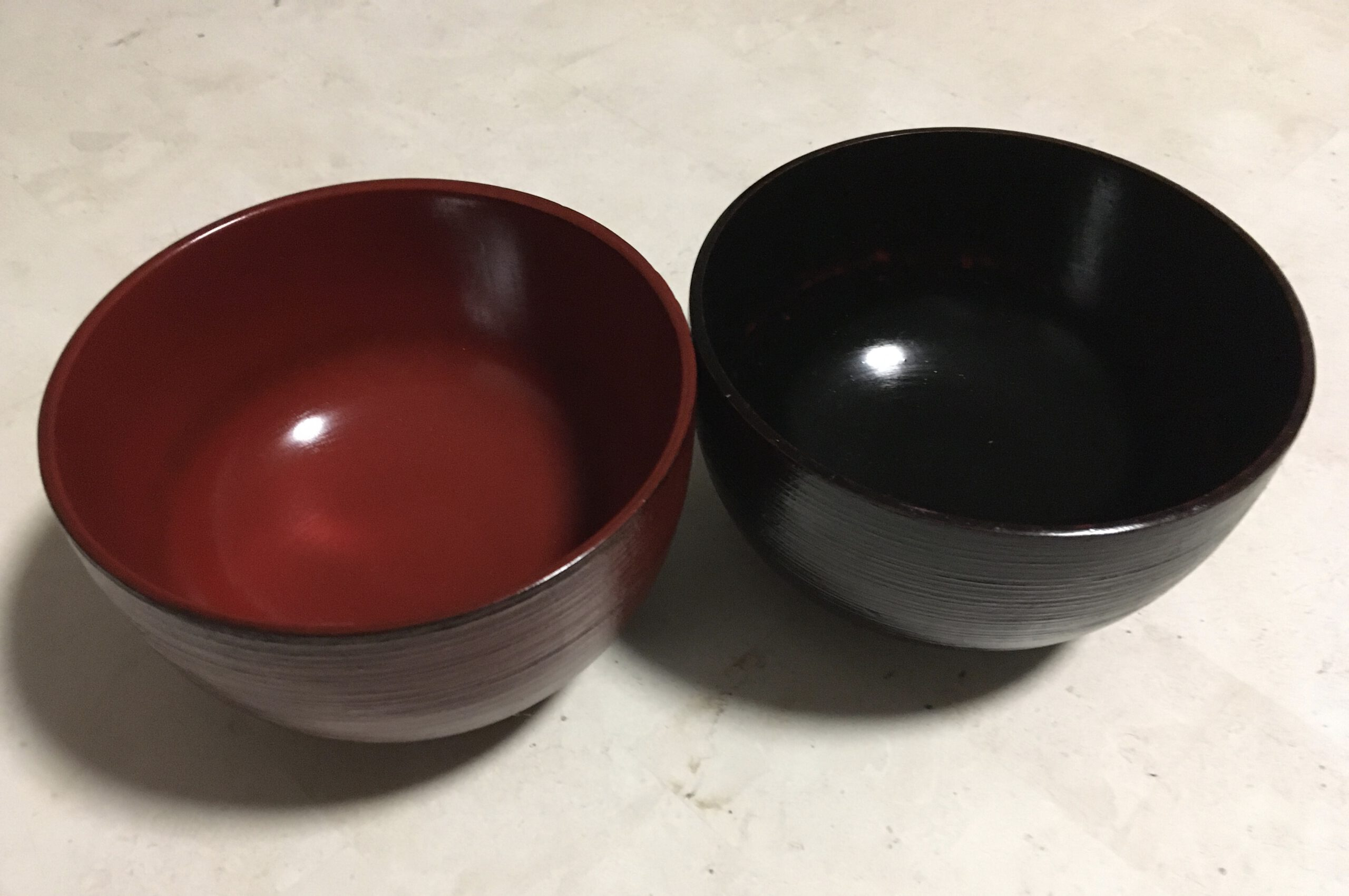 Wooden Lacquerware Bowl (red & black, hakeme)